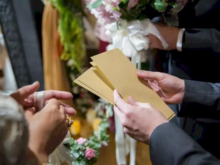 Я подарил своей сестре на  свадьбу конверт с нарезанными газетами. Мне не стыдно, потому что она не заслужила денег