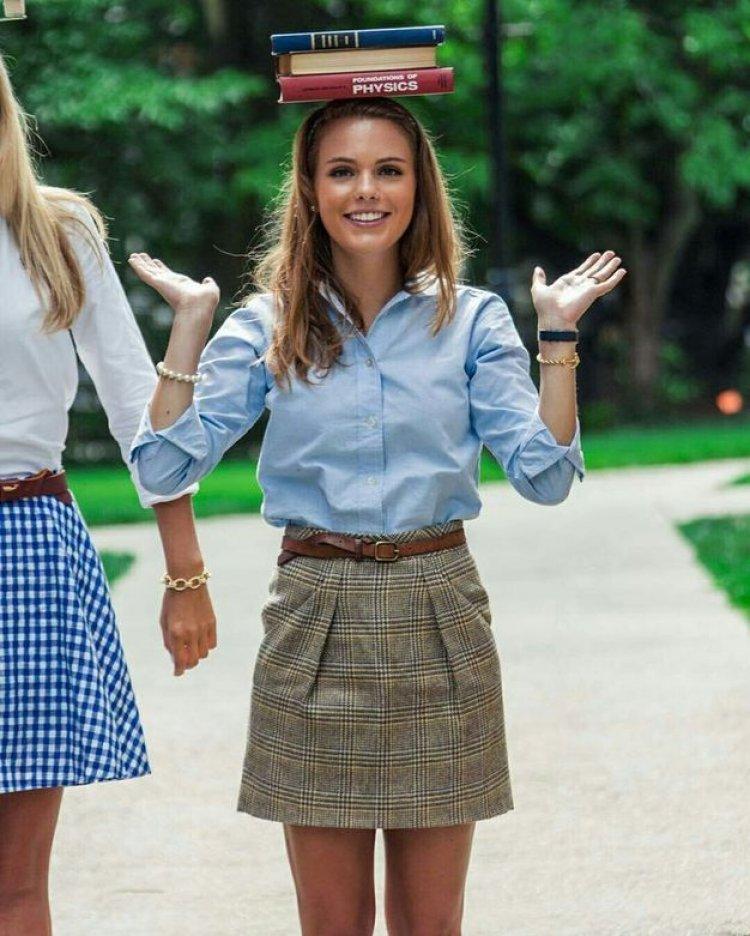 Правильная одежда для студентки